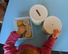 Pédagogie Montessori : le jeu de la tirelire (2) | Bout de chou en éveil