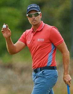 ~Our Swedish & Central Florida favorite .Henrik Stenson, FedEx cup & Race to Dubai winner First ever male player to achieve this! Famous Golfers, Golf Card Game, Dubai Golf, Phil Mickelson, British Open, Golf Attire, Golf Outfit, Golf Club Sets, Rory Mcilroy