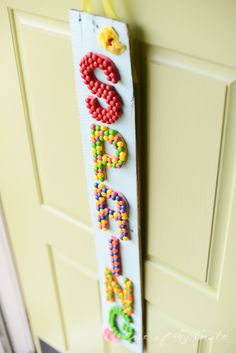 Spring hanging sign with Skittles-PlaceOfMyTaste #shop #VIPfruitflavors #cbias