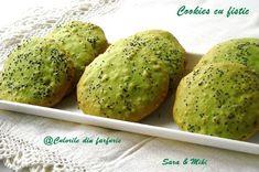 Cookies cu fistic 2 Muffin, Cookies, Breakfast, Food, Breakfast Cafe, Muffins, Biscuits, Essen, Cookie Recipes