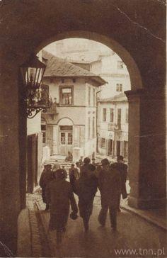 Jewish History, Beautiful Buildings, Poland, Black And White, City, Painting, Photos, Europe, Historia