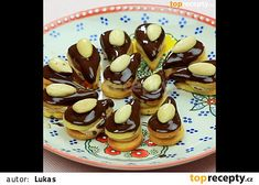 """This is """"Kofilové slzičky"""" by Toprecepty on Vimeo, the home for high quality videos and the people who love them. Christmas Candy, Christmas Baking, Christmas Cookies, Eat Me Drink Me, Czech Recipes, Small Desserts, Recipe Box, Cooking Tips, Cookie Recipes"""