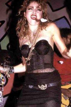 M Madonna Fashion, Madonna 80s, 80s Fashion, Divas Pop, Madona, 80s Outfit, Style Icons, 80s Style, Dress Up