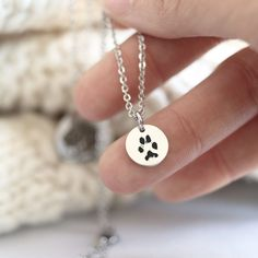 Dainty and simple tiny round pendant necklace laser engraved with the message or image shown in the first photo. Custom Pet Tags, Mom Jewelry, Bar Necklace, Pendant Necklace, Round Pendant, Gifts For Wife, Pet Portraits, Rose Gold Plates, Laser Engraving