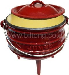 Red Enamelled Potjie Pots Size 1 with lid Porridge Recipes, Biltong, South African Recipes, Food Staples, Bob Hairstyles, Dinner Ideas, Pots, Beef, Traditional