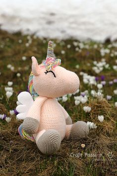 Winged Unicorn Amigurumi Pattern How to crochet Aile, Winged Unicorn Amigurumi Crochet Toys Patterns, Amigurumi Patterns, Crochet Crafts, Crochet Dolls, Yarn Crafts, Crochet Projects, Free Crochet, Amigurumi Minta, Crochet Unicorn Pattern Free