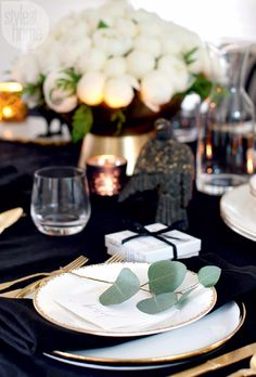 Take a Peek at Michael Bublل's Sleek and Elegant 'Christmas' Home (17)
