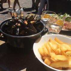 """Moules frites en terrasse à Saint-Malo - Carnet de voyage """"WE à Saint Malo !!"""""""