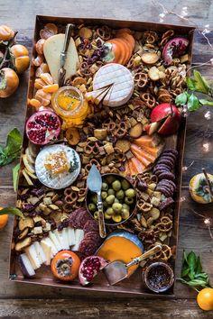 Holiday Cheese Board | halfbakedharvest.com #cheeseboard #holidayrecipes #easyrecipes #thanksgiving #christmas Charcuterie Recipes, Charcuterie And Cheese Board, Cheese Boards, Party Food Platters, Cheese Platters, Tapas, Plateau Charcuterie, Chex Party Mix, Chex Mix