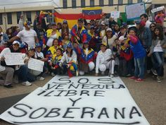 #Venezuela protesta en #Tenerife Los Cristianos #Arona @LucioQuincioC pic.twitter.com/fMC9f5CceM