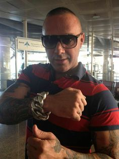 Dinio Garcia with extreme huge bracelet. I want him...<3