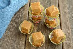 Peanut Butter Fudge Creams Recipe - Smooth - Vegan in the Freezer Peanut Butter Fudge, Peanut Butter Recipes, Fudge Recipes, Vegan Sweets, Vegan Desserts, Vegan Recipes, Vegan Food, Vegan Fudge, Vegan Chocolate