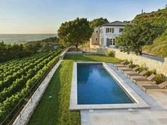 Clos Derrière Vieille - Holiday rental in Gigondas, Provence. At the foot of the Dentelles in the heart of the Gigondas A.C, in an exceptional walled viney. Swimming Pools Backyard, Swimming Pool Designs, Pool Landscaping, Lap Pools, Indoor Pools, Plunge Pool, Dream Pools, Cool Pools, Pool Houses