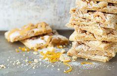 Sitruunainen pikkuleipä syntyy näppärästi pellillä.