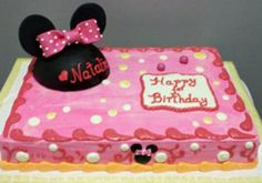 Minnie Mouse themed cake. www.VeronicasGoodies.com
