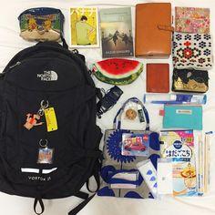 """좋아요 60개, 댓글 5개 - Instagram의 (@ayumi_wednesday)님: """"#バッグの中身 とか見るの好きすぎて、今月のTOKYO GRAFFITIうっかり買っちゃったよね そしてmyリアルお仕事バッグ。 リアルだからほんと普通の中身!…"""""""
