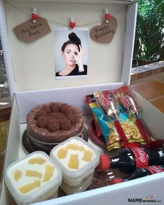 Personalized Birthday Gift - Snacks Box With Name Photo. Send this snack box Personalized Birthday Gift to your friend who loves to eat snacks all the time and loves to party. Add her name and photo to wish her. Birthday Candy, Birthday Box, Best Birthday Gifts, Personalised Cupcakes, Personalized Birthday Gifts, Birthday Wishes With Name, Dinner Box, Cake Name, Gift Wraping