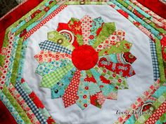 Loose Threads: Dresden Plate Quilt-As-You-Go Table Mat