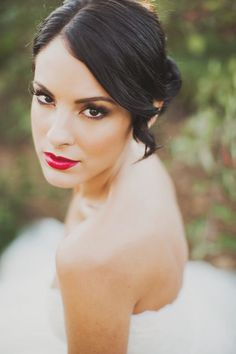 romantic wedding makeup // via ruffledblog.com