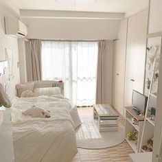 Home Decor Painting Room Design Bedroom, Room Ideas Bedroom, Home Room Design, Small Room Bedroom, Bedroom Decor, Korean Bedroom Ideas, Tan Bedroom, Small Room Interior, Small Apartment Bedrooms