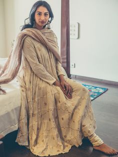 Shop All - Maisara Clothing Modest Dresses, Modest Outfits, Chic Outfits, Fashion Outfits, Modest Clothing, Modest Fashion, Fashion Trends, Indian Suits, Indian Attire