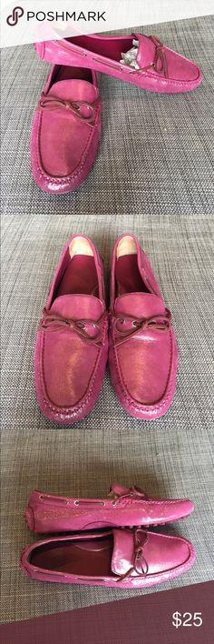 Shimmering Pink COLE HAAN Air Garnett II Moccasin Used with slight wear please look at pictures. Super Cute & Comfortable! Cole Haan Air Garnet II pink W/ Metallic Finish Size 9B Not exactly sure what they are made of but I don't think the outer part is leather. Cole Haan Shoes Moccasins