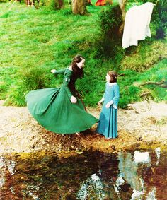 Susan and Lucy can I just say that I love Susan's dress in this scene!