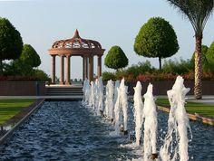 Discover the most beautiful luxury hotels in Abu Dhabi, United Arab Emirates. Abu Dhabi, Ras Al Khaimah, Sharjah, Beautiful Hotels, Beautiful Places To Visit, Asia, Dubai Travel, Grand Mosque, Island Resort