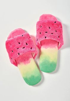 Shop our collection of fun & fuzzy girls' slippers at Justice. Find styles that range from faux fur slides to animal slippers. Disney Slippers, Cute Slippers, Slippers For Girls, Summer Slippers, White Shoes For Girls, Sports Shoes For Girls, Girls Shoes, Tween Girls, Toys For Girls