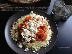 Veenbessen couscous met in de oven gebakken muskaatpompoen en kikkererwten tomaten saus - De Groene Mama #vegetarisch