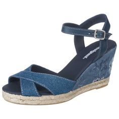 Die Desigual Bahia Sandaletten fallen durch ihren Denim-Look mit floralen Details auf. Die Zwischensohle in Bast-Optik vervollständigt den sommerlichen Look. Denim Look, Espadrilles, Wedges, Shoes, Fashion, Bahia, New Shoes, News, Blue