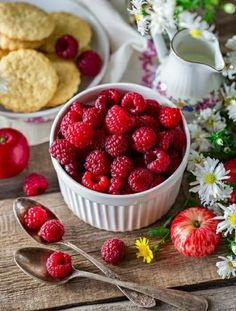 Healthy Fruits, Healthy Life, Healthy Eating, Raspberry, Strawberry, Fiber Rich Foods, Vegan, Eating Plans, Eating Habits