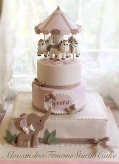 Merry-go-round/Carousel - Frisoni Alessandra Studio Cake Dragon Birthday Cakes, Baby Birthday Cakes, Girl Birthday, Fondant Cakes, Cupcake Cakes, Circus Cakes, Carousel Cake, Elephant Cakes, Cake Decorating Tutorials