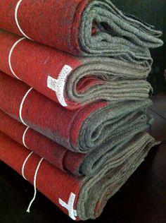 authentic Swiss Army wool blanket por OdeToJune en Etsy, $72,00