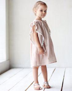 ❤️Любимая пастель..Платье в цвете пудры с тесьмой из хлопка.В наличии: 98,104,110.Состав: 100% хлопок(батист).На заказ: от 86-116.Цена: 5000.Варианты цветов: пудра,какао.#miko_D0014#miko_kids #conceptkidswear #forgirls #dress