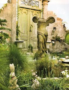 old ruins style gardens...swoon