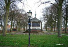Op verschillende plaatsen in het dorp Borssele zijn straatlantaarns, model Haagse Kap, van DE NOOD geplaatst.