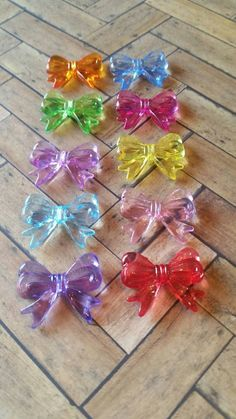 Check out this item in my Etsy shop https://www.etsy.com/listing/229633151/30-x-23mm-10pc-mixed-acrylic-bow-bead
