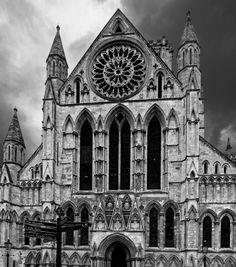 South face of York Minster [OC] [1805x2048] - see http://www.classybro.com/ for more!