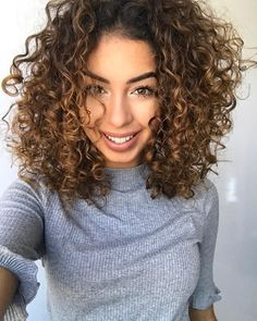 """7,603 Likes, 88 Comments - Juliana Louise (@jujubamakeup) on Instagram: """"Heeeey jujubinhas ✨ Quem já passou lá no canal pra conferir nosso tutorial de penteado LACRADOR…"""""""