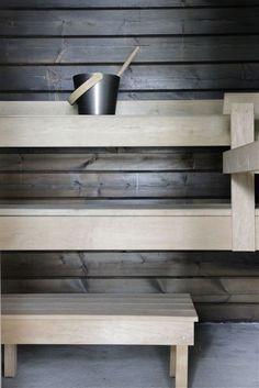 Minna Jones: Before - after sauna -------- Ennen - jälkeen sauna Saunas, Sauna Design, Outdoor Sauna, Finnish Sauna, Sauna Room, Best Cleaning Products, Spa Rooms, Dark Walls, Painted Doors
