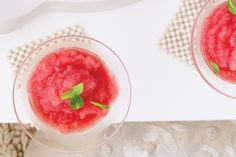 Because no summer yard get together is complete without a thirst-quenching cocktail! Slush Recipes, Coctails Recipes, Drink Recipes, Watermelon Slushie, Watermelon Recipes, Nutribullet Recipes, Blender Recipes, Homemade Slushies, Vodka Slushies