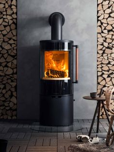 This glorious Keddy woodburning stove would make a beautiful centrepiece to any home. #Woodburner #WoodburningStove #fireplace #Keddy #Fire #Homeinspo #interiordesign Cooker Hoods, Woodburning, Stoves, Centerpieces, Home Appliances, Fire, Interior Design, Beautiful, House Appliances