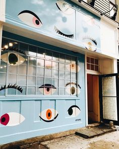 Our new mural is up! ・・・ Drop by our Brooklyn Pop Up at 184 Bedford Ave. to check out our All Eyes on Deck Mural created by to honor our partnership with and our work towards combating global poverty. Murals Street Art, Art Mural, Wall Murals, Wall Art, Environmental Graphics, Environmental Design, Instagram Wand, Teller An Der Wand, Happy Design