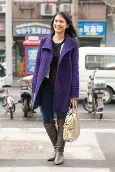 上海 Jingan District, SHANGHAI. Emily Chu, editor. Uniqlo coat, Topshop top, Madewell jeans, Nine West boots, Coach bag.