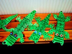 A few different croc ideas. Crafts To Make, Crafts For Kids, Arts And Crafts, Craft Activities, Preschool Crafts, Crocodile Craft, Reptiles, 3d Art Projects, Five Little Monkeys