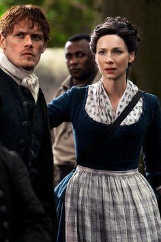 Jamie and Claire Outlander Season 4 Jamie Fraser, Claire Fraser, Jamie And Claire, Fraser Clan, 18th Century Dress, 18th Century Clothing, 19th Century, Outlander Casting, Outlander Tv Series