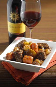 Comfort #Food and Wine Pairings.  This is great for a cold winter's day