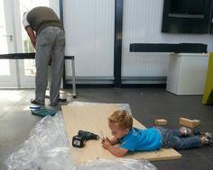 Zelfs de jongere generatie helpt mee verhuizen!
