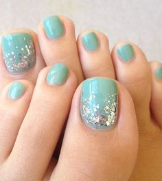 Stylish Toe Nail Designs For Beach Party